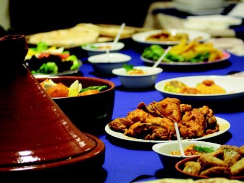 Eine Tagine eigent sich besonders zum schonenden zubereiten der Speisen